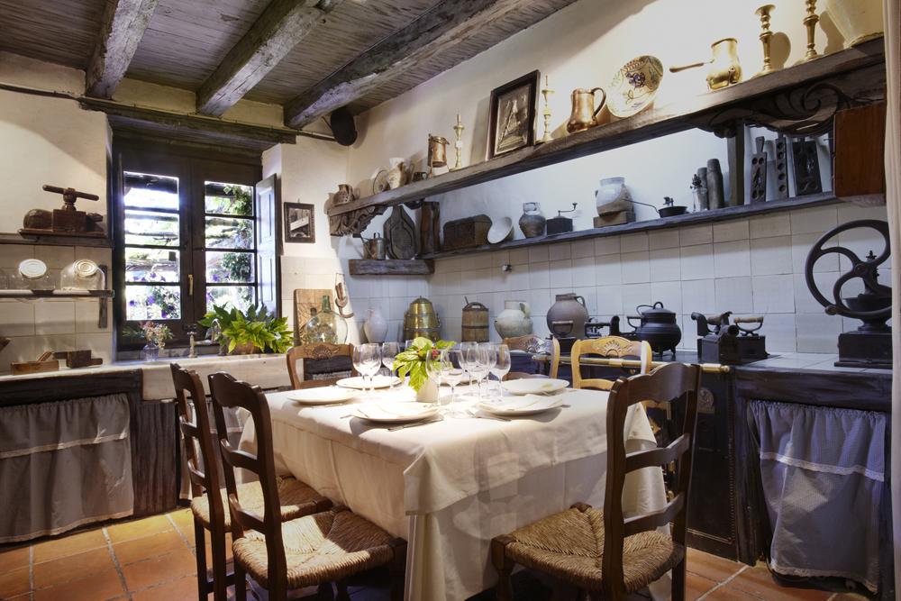 Muxutruk baserri maitea - Cocinas azul tierra ...